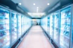 超级市场内部和冰箱,购物概念存贮架子  免版税图库摄影