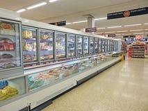 超级市场冷冻机冰箱致冷物小岛 免版税库存照片