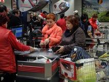 超级市场周末购物 库存照片
