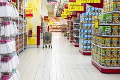 超级市场走道 免版税图库摄影