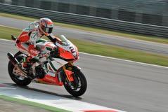 超级摩托车队Aprilia赛跑利昂Camier的意大利航空 免版税图库摄影