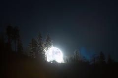 超级月亮上升 库存图片