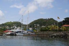 超级游艇在圣乔治` s小游艇船坞,格林纳达 库存照片