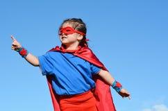 超级英雄儿童女孩力量 免版税库存照片