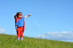 超级英雄儿童女孩力量 免版税库存图片