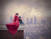 超级英雄孩子。 免版税库存图片