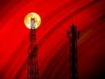 超级血液月亮后面阴影信号柱子浅红色的曲线 库存照片