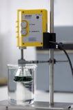 超音波处理器在实验室里 图库摄影
