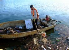 越南卫生工作者,垃圾,水,污染 库存图片