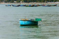 越南圆的竹小船 越南 图库摄影