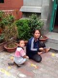 越南妇女和儿童男孩 图库摄影