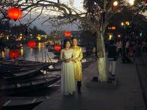 越南婚礼传统服装,会安市,越南 免版税图库摄影