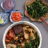 越南食物、小圆面包rieu和canh小圆面包 免版税库存图片