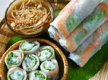 越南食物, goi豺属,沙拉卷 图库摄影
