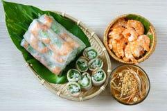 越南食物, goi豺属,沙拉卷 免版税库存照片