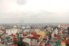 越南,河内屋顶,在红河的桥梁 免版税库存照片