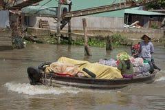 越南,湄公河三角洲浮动市场 库存图片