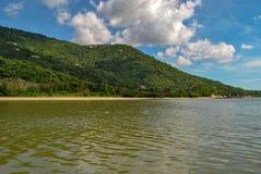越南,芽庄市:美好的海景 海岛视图 库存照片