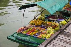 越南, Ha长海湾浮动的市场 库存照片