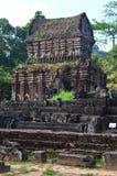 越南-我的儿子-接近寺庙在我的儿子圣所可汗越南世界遗产名录废墟  图库摄影