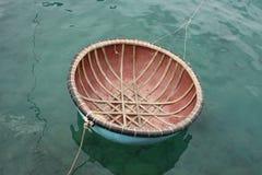 越南fisherman& x27; s小船 免版税库存图片