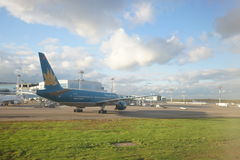 越航喷气机在多莫杰多沃机场 库存照片