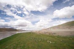 越野冒险在西藏 免版税库存图片