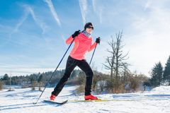 越野滑雪者 库存图片