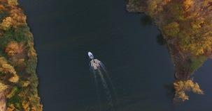 趟过沿大河的小船 股票录像