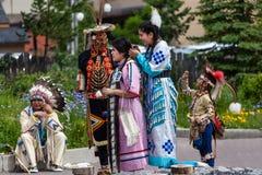 黑足印第安的美国本地人舞蹈家 免版税库存图片