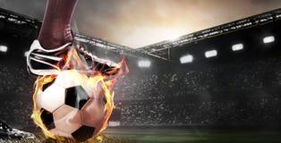 足球或足球运动员的腿 免版税图库摄影