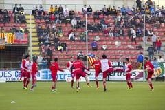 足球运动员准备 免版税图库摄影