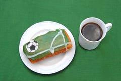 足球迷的滑稽的蛋糕 免版税库存照片