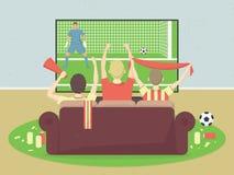 足球/橄榄球队爱好者看与比赛的电视,坐长沙发 庆祝进的球 向量例证