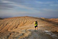 足迹赛跑在沙漠 图库摄影