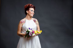 跌荡的新娘纵向 免版税库存图片