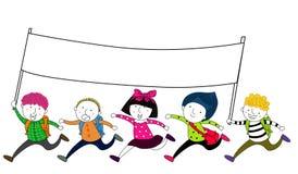跑与一副空的旗子横幅的孩子 图库摄影