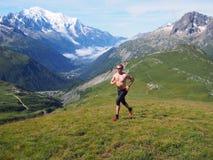 跑在夏慕尼法国的足迹 免版税图库摄影