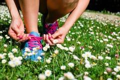 跑在春天概念的妇女 免版税库存照片