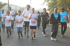 跑在海得拉巴10K的人们跑事件,印度 免版税库存照片