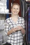 跑在线时装业的女实业家 库存图片