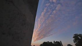 跑在蓝天的白色云彩 影视素材