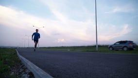 跑在边路的人运动员 影视素材