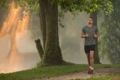 跑步健康健身的人户外 库存照片
