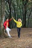 跑步在公园 免版税库存图片