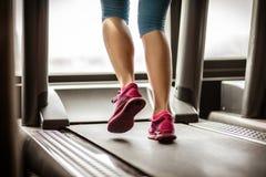跑步在teadmill 免版税库存照片