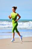 跑步的妇女年轻人 图库摄影