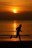 跑步langkawi马来西亚的海滩海岛 免版税库存图片