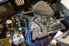 跑车谢尔比AC眼镜蛇427的引擎, 1966年 免版税库存图片