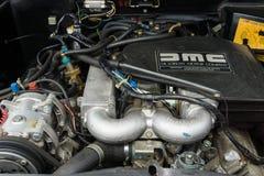 跑车DeLorean DMC-12的引擎 免版税库存照片